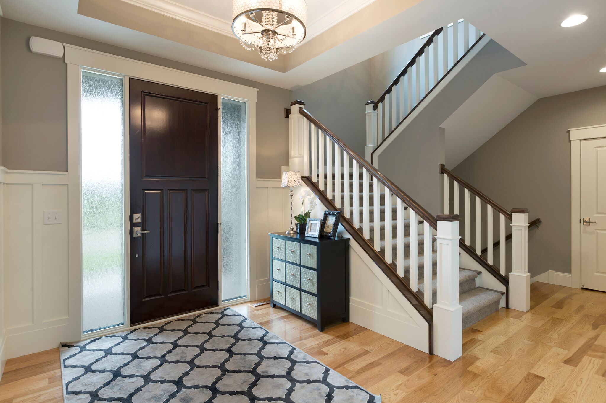 7 Tips For Creating A Welcoming Entryway