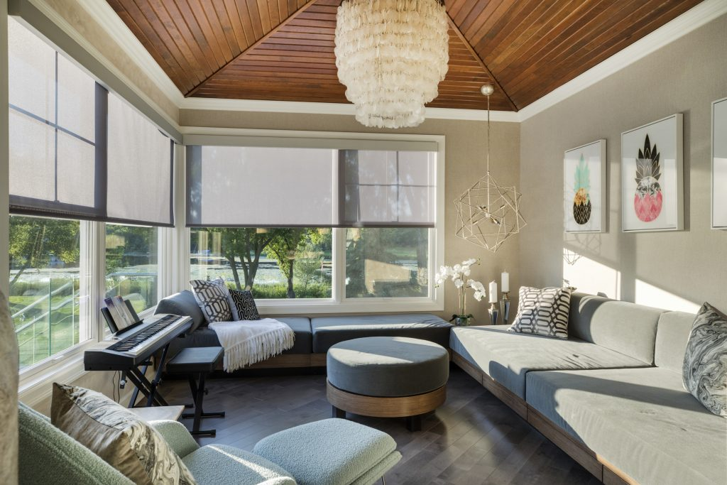 Smart home and tech trends: Motorized Shades